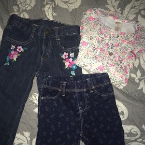 Bundle. 2 jeans and top.